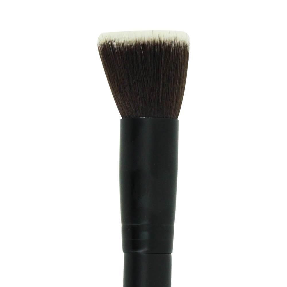 maquillage fond de teint application amincissant